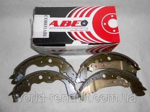 Барабанные тормозные колодки (задние 228х42 ) на Рено Каптюр / ABE C0R031ABE