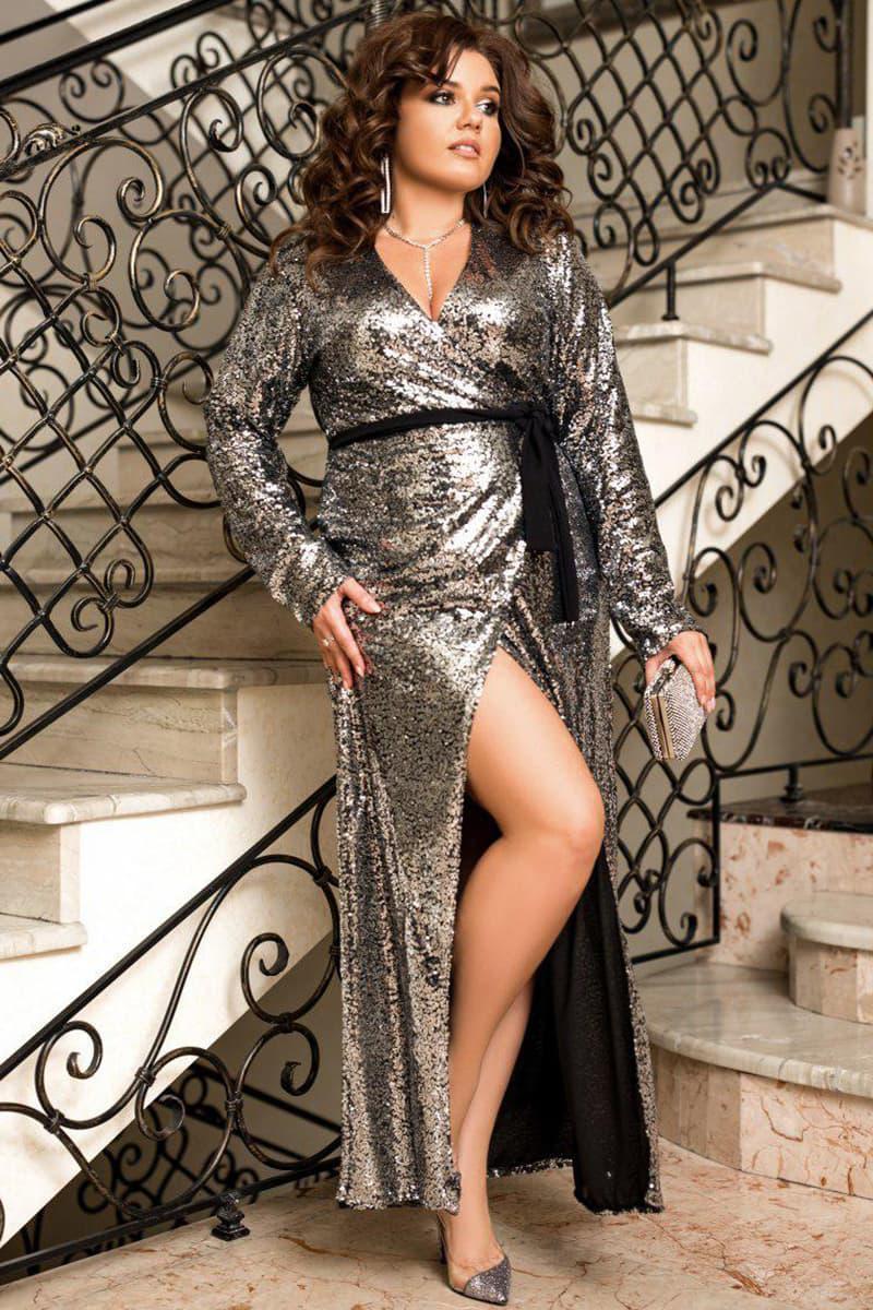 Серебристое блестящее платье Прадо с глубоким вырезом