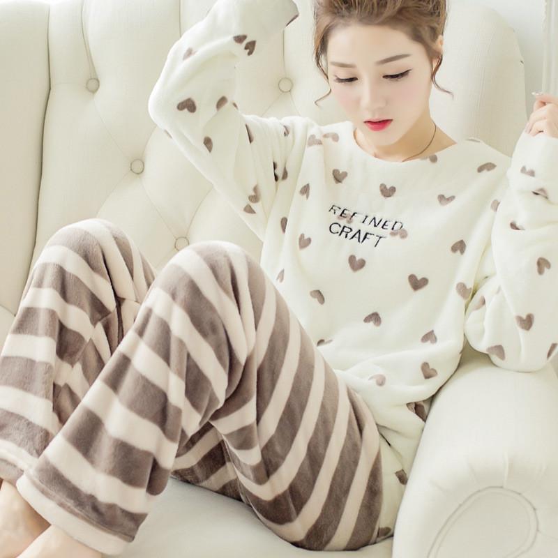 Флисовая женская пижама в сердечках