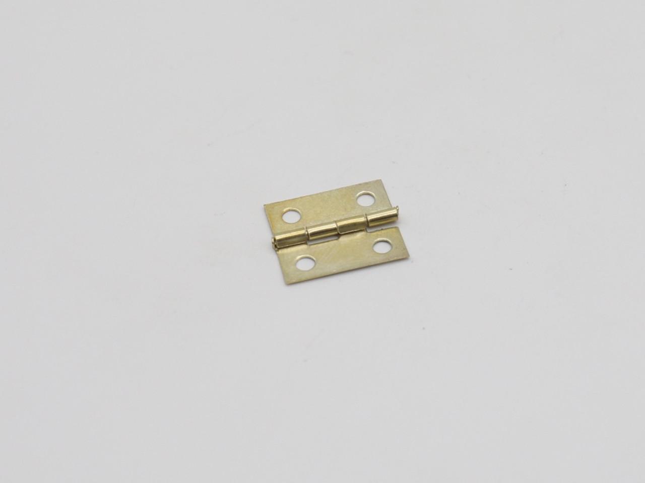 Петля маленькая. Цвет золото. 19х15 мм