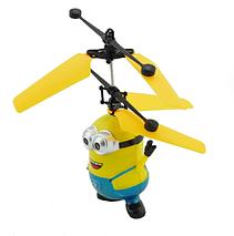 Іграшка літаючий міньйон вертоліт весела іграшка для дітей з підсвічуванням, фото 2