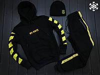 Мужской утепленный спортивный костюм Off-Wite черного цвета с шапкой