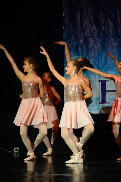 Балетное платье с пайетками