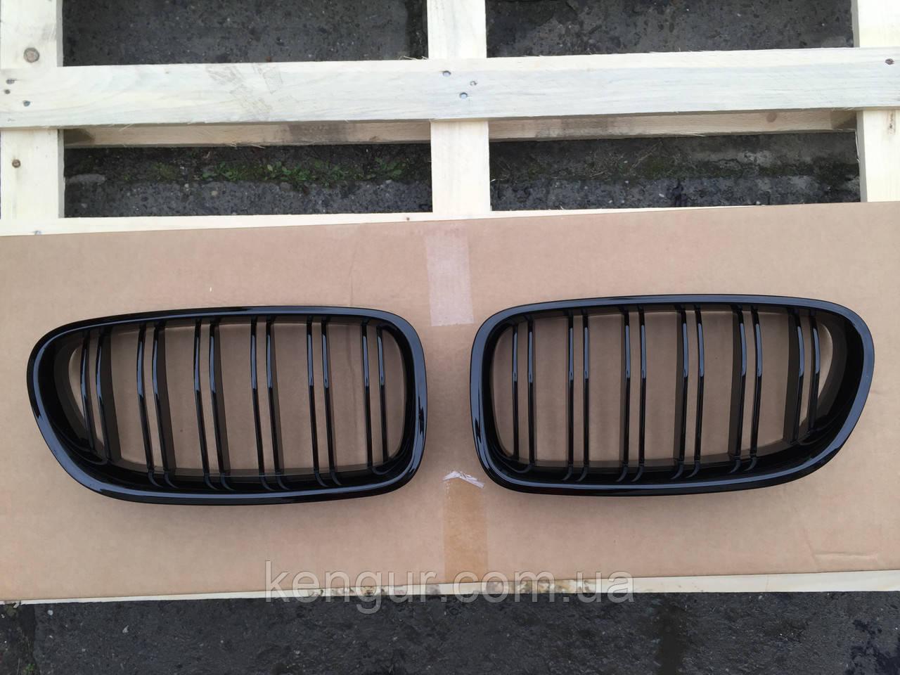 Решетка радиатора ноздри BMW F10