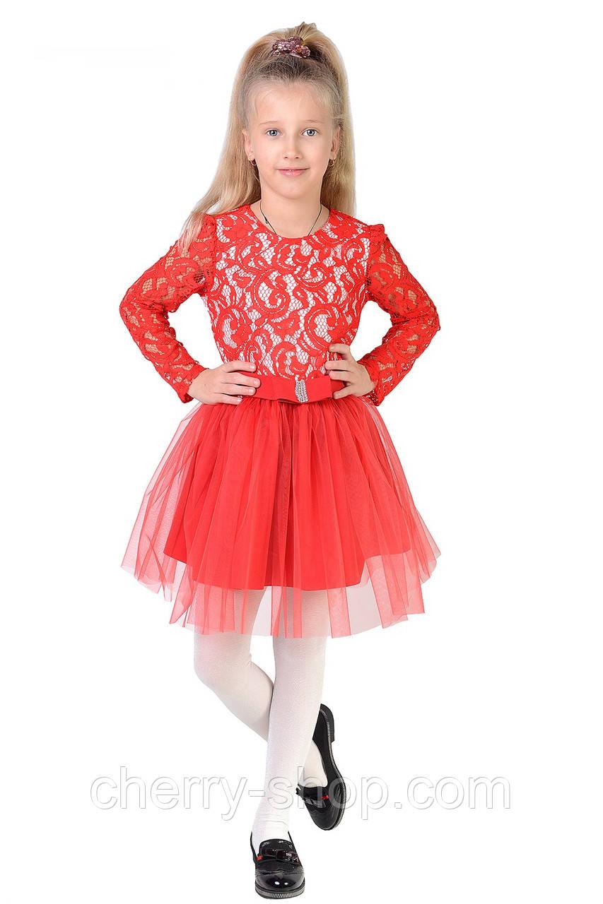 Яскраве дитяче плаття з повітряної спідницею