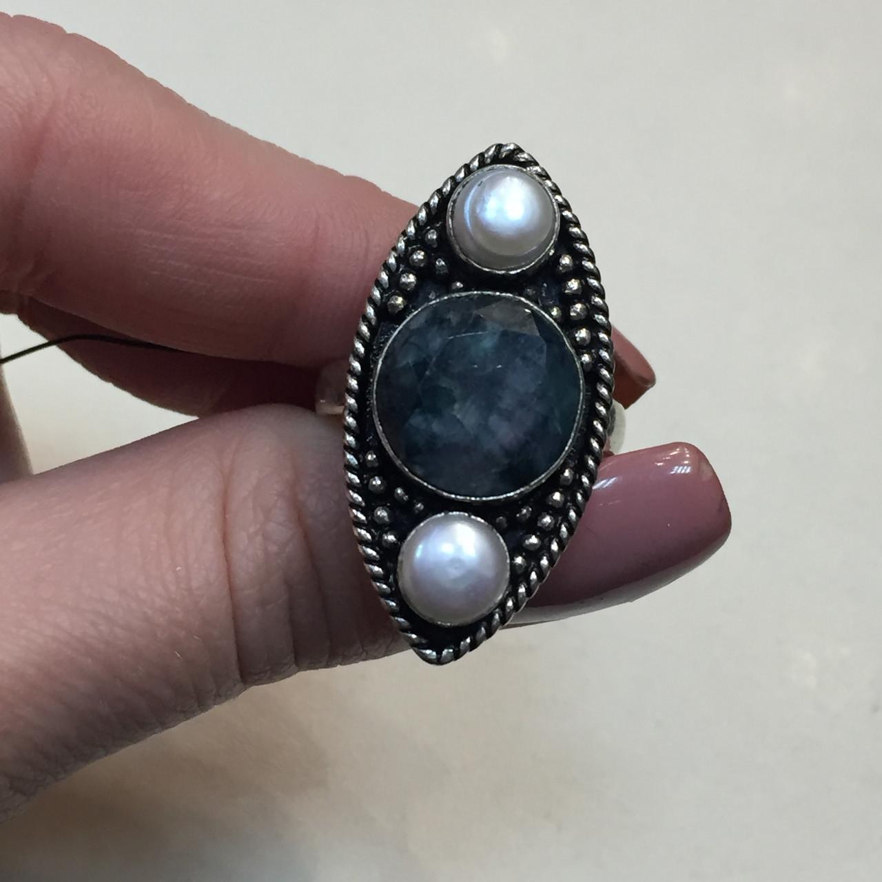 Изумруд кольцо с камнями изумруд и жемчуг в серебре. Размер 19-19,5