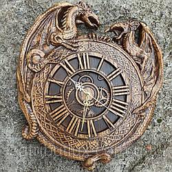 """Часы резные из дерева. """"Драконы"""""""