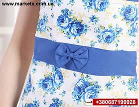 Синий кухонный фартук с бантом и кружевом в цветах, фото 3