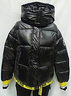 Куртка женская с капюшоном зимняя, черного цвета с желтыми вставками, фото 1