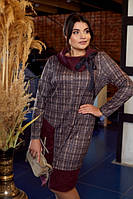Елегантне жіноче тепла сукня прямого крою у клітинку з 54 по 62 розмір