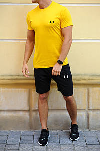 Жовта футболка і чорні шорти з брендами (Nike, Adidas, Reebok, Under Armour, Jordan, Fila, Puma)