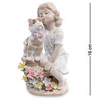 """Фигурка """"Девочка с собакой"""" 8,5x7x16 см., фарфор Pavone, Италия, фото 1"""