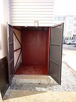 Грузовой лифт подъемник снаружи здания шахтного исполнения