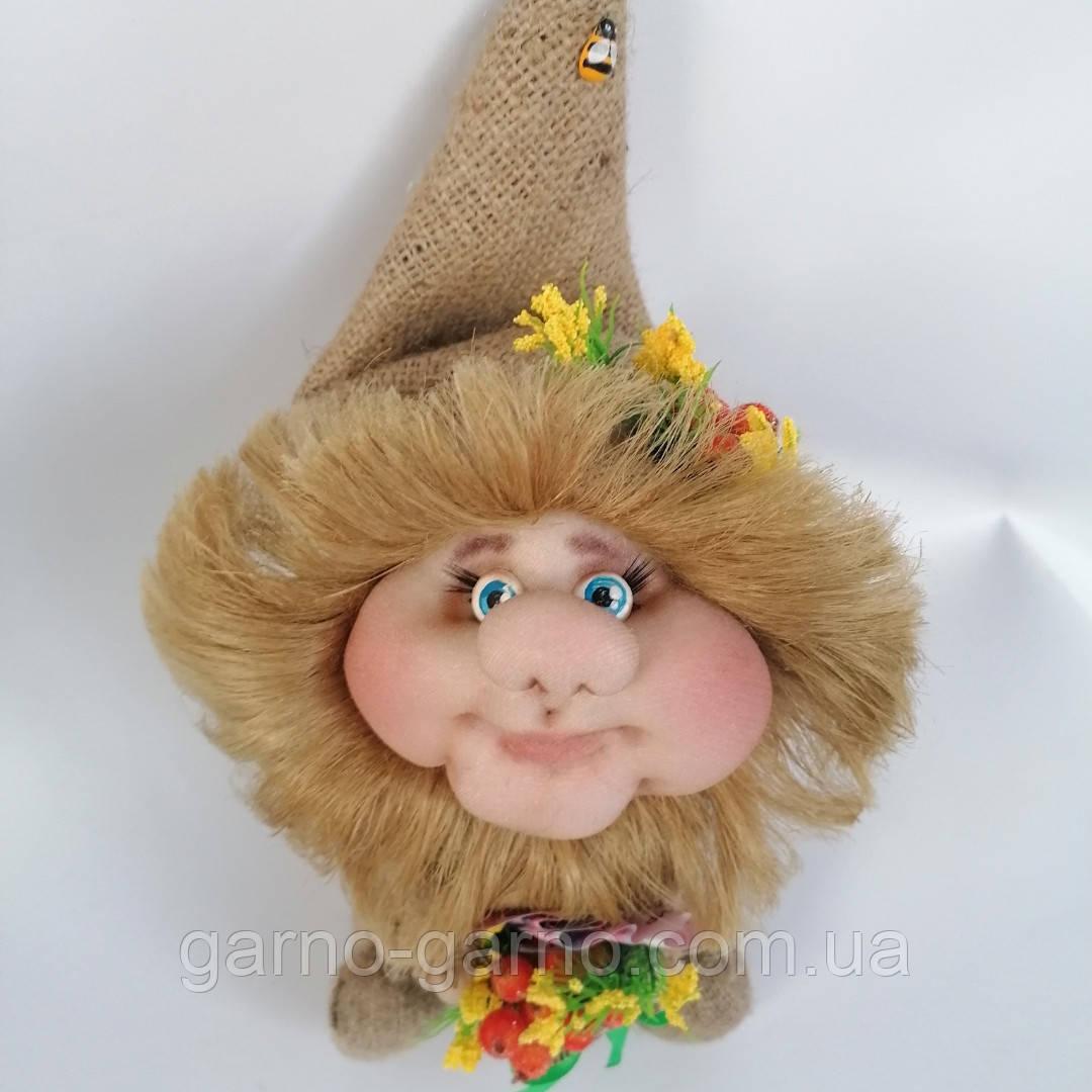 Оберіг лялька Домовик з грошима і ягідками і листочками