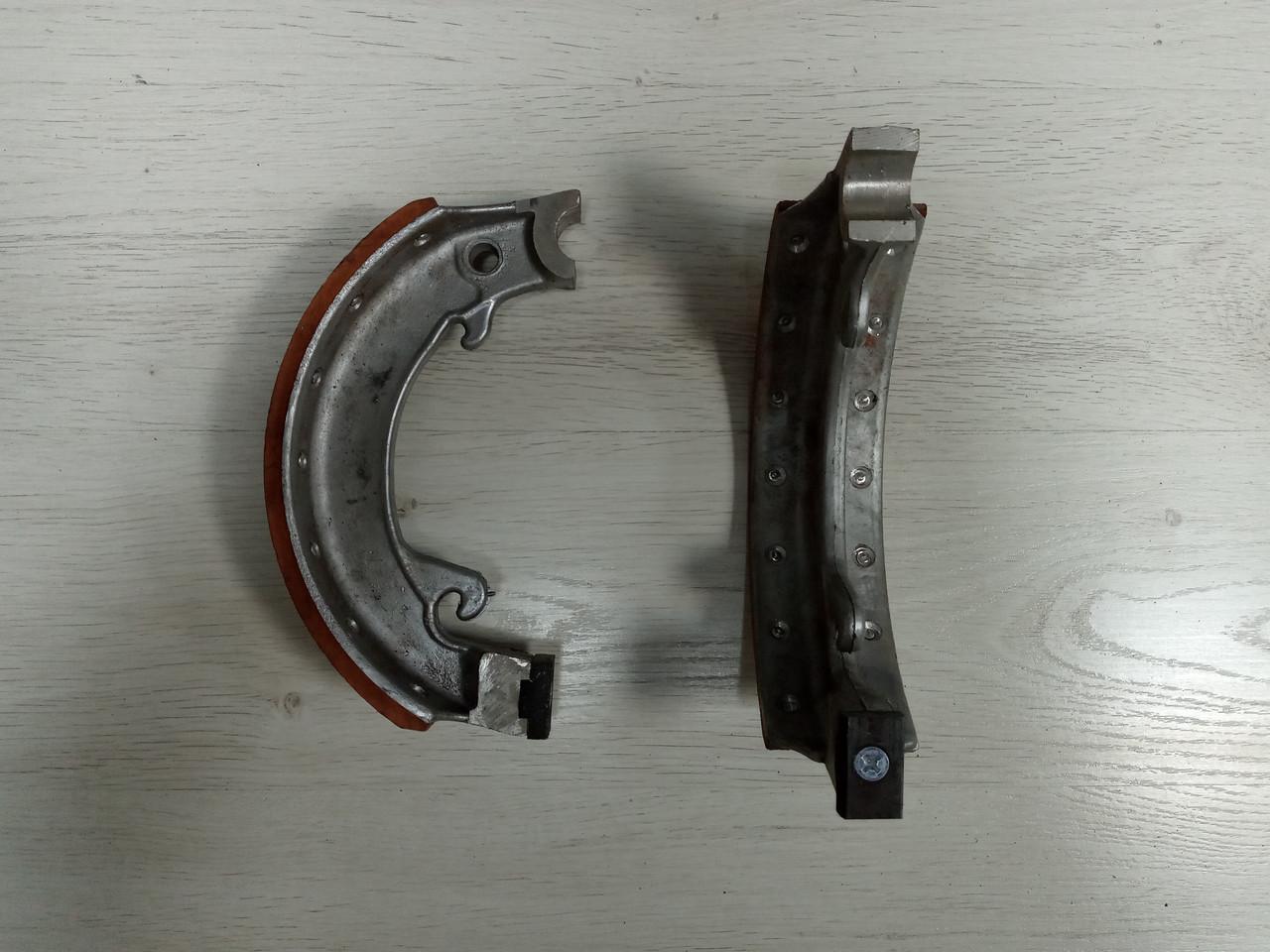 Колодка стояночного тормоза 375-3507015-01