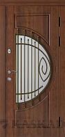 Дверь входная Адамант со стеклом и ковкой серии Комфорт ТМ Каскад