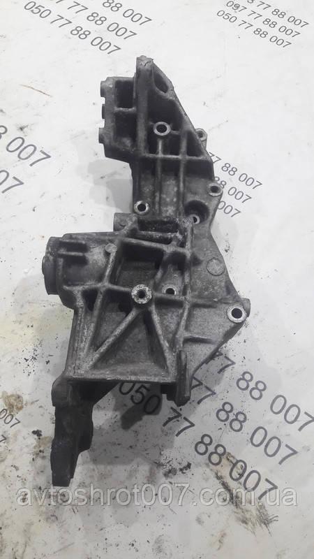 Кронштейн генератора Audi A4 b5 058145523
