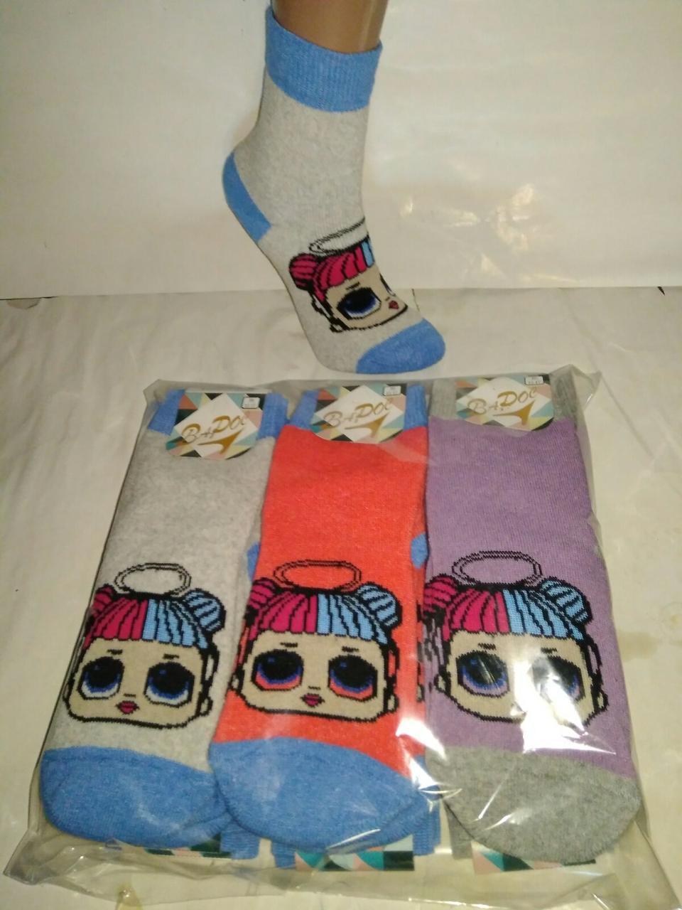 Звертаємо увагу на колір шкарпеток
