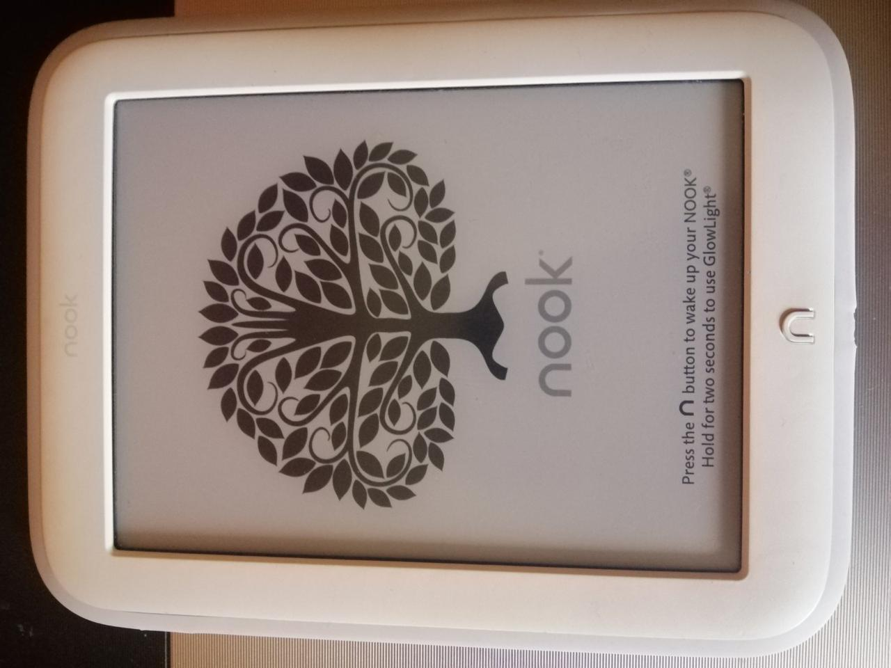 Электронная книга Nook Glow Light BNRV500 с подсветкой