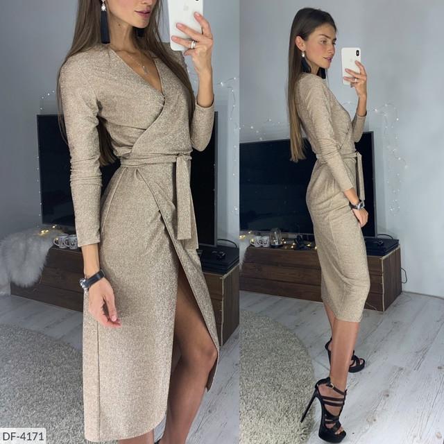 Блестящее платье на запах ниже колена