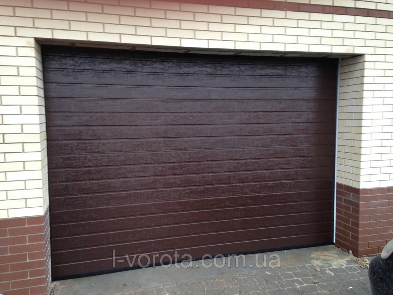 Alutech (Алютех) серия Trend секционные гаражные ворота  ш3500, в2200