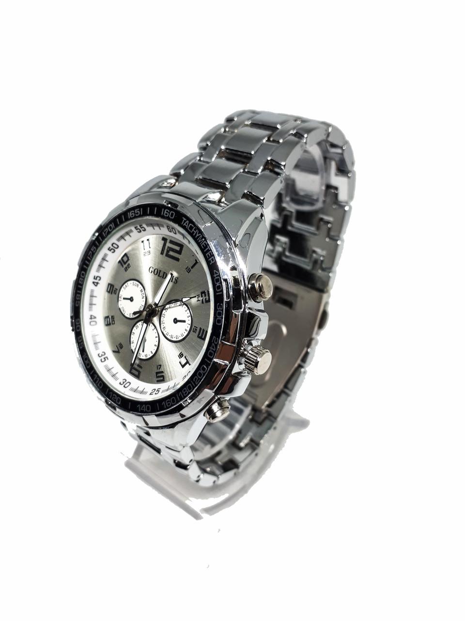 Мужские часы на браслетах