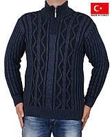 Теплый свитер ,под горло,очень мягкий и уютный.