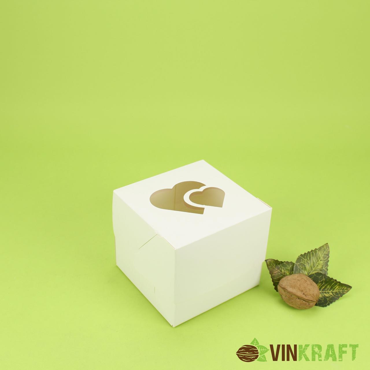 Коробка 100*100*90 для капкейків (1 шт) з вікном у формі 2-х сердець, біла