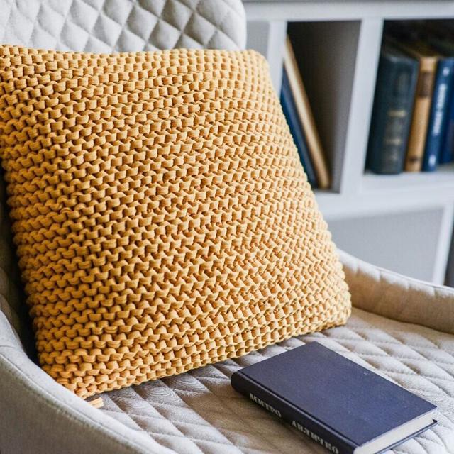 Интерьерная подушка из Трикотажной пряжи Bobilon Оранжевый апельсин сайт производителя bobilon.com.ua