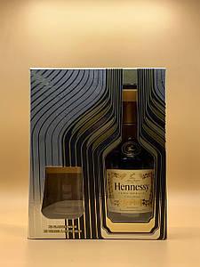 Коньяк Hennessy VS gift box with 2 glasses 0.7L Хеннесси ВС в подарочной коробке и 2 стакана 0.7л