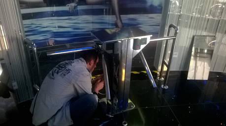 Установка турникета CENTURION в спорткомплексе Царский г. Киев