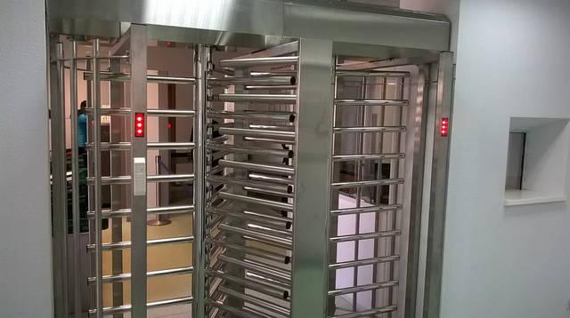 Установка турникета полноростового однопроходного SESAME, Аэропорт 1