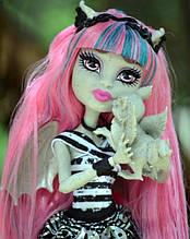 Кукла Monster High Рошель Гойл (Rochelle Goyle) с грифоном-гаргулией базовая Монстер Хай Школа монстров