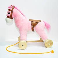 🔝 Деревянная плюшевая лошадка на колесиках, Розовая   лошадь на колесах детская (высота - 30 см)    🎁%🚚