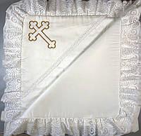 """Крыжма для крещения ребенка, квадратная с рюшами и вышивкой """"Крестик"""", молочная"""