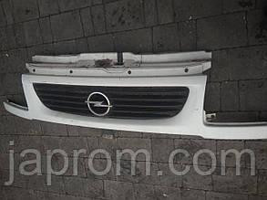 Решетка радиатора Opel Movano 1998-2003