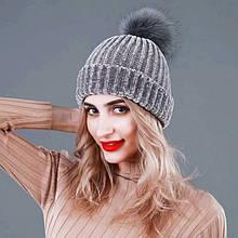 Женская вязаная зимняя шапка серая с бубоном помпоном акрил крупная вязка