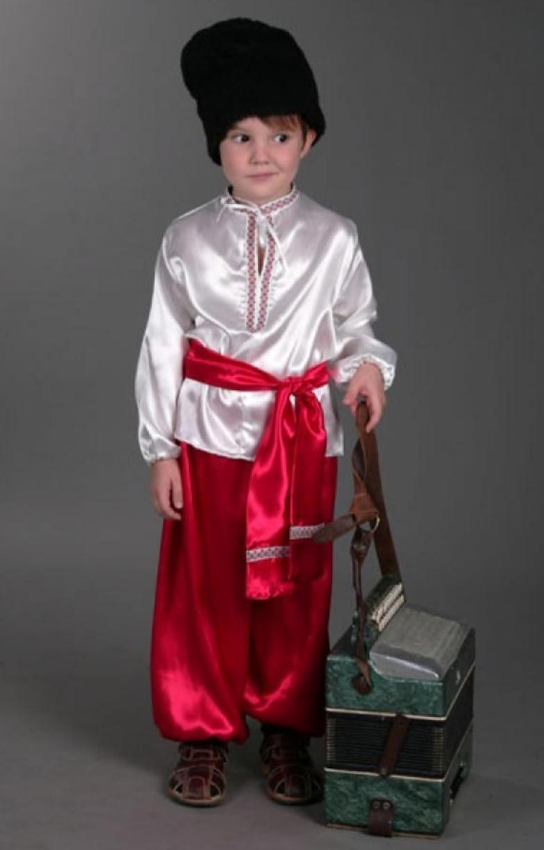 Украинский костюм для мальчика в красных шароварах