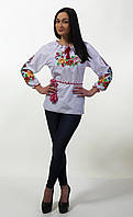Красивая современная женская вышитая сорочк