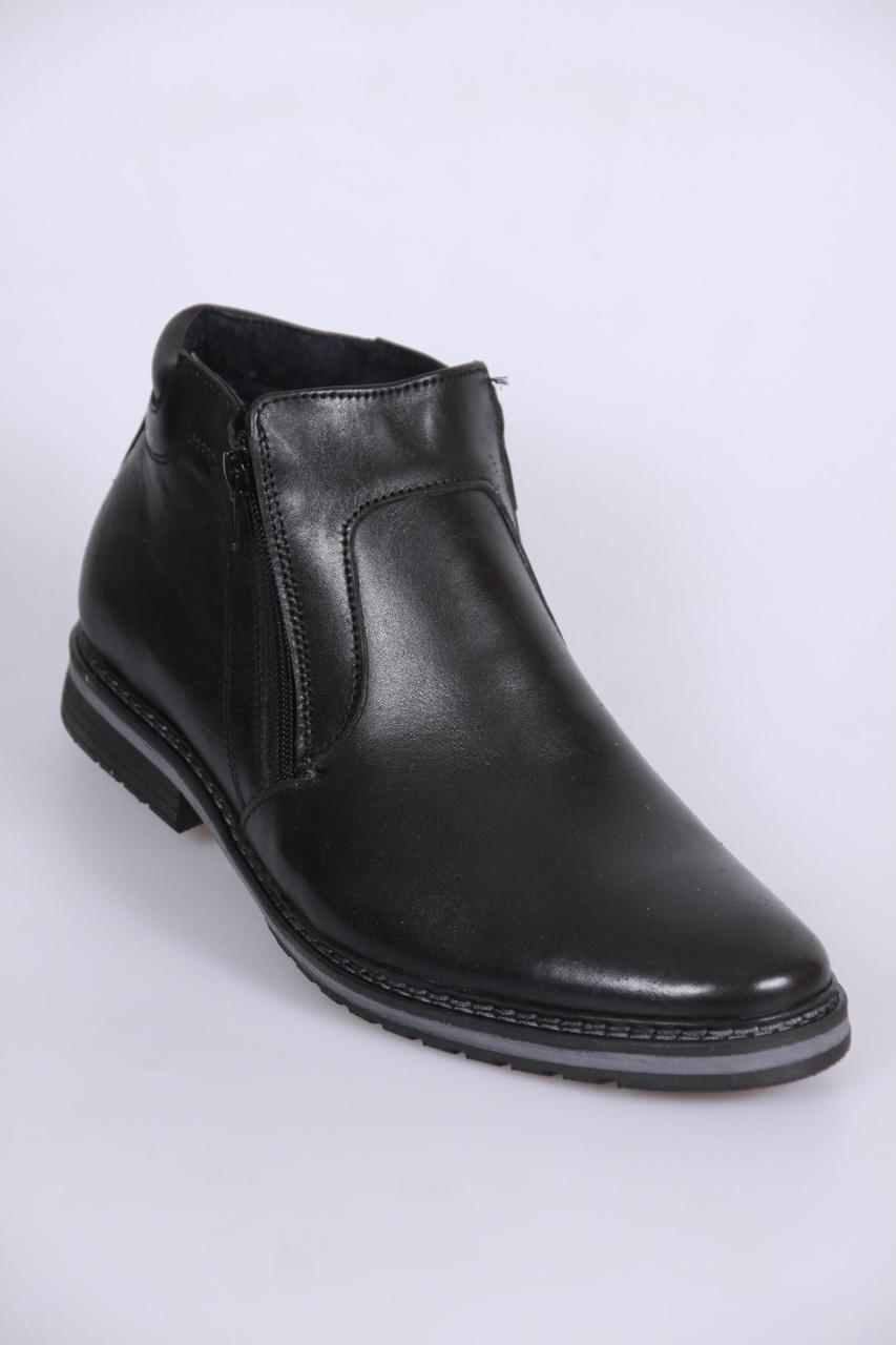 Мужские кожаные сапоги от производителя.