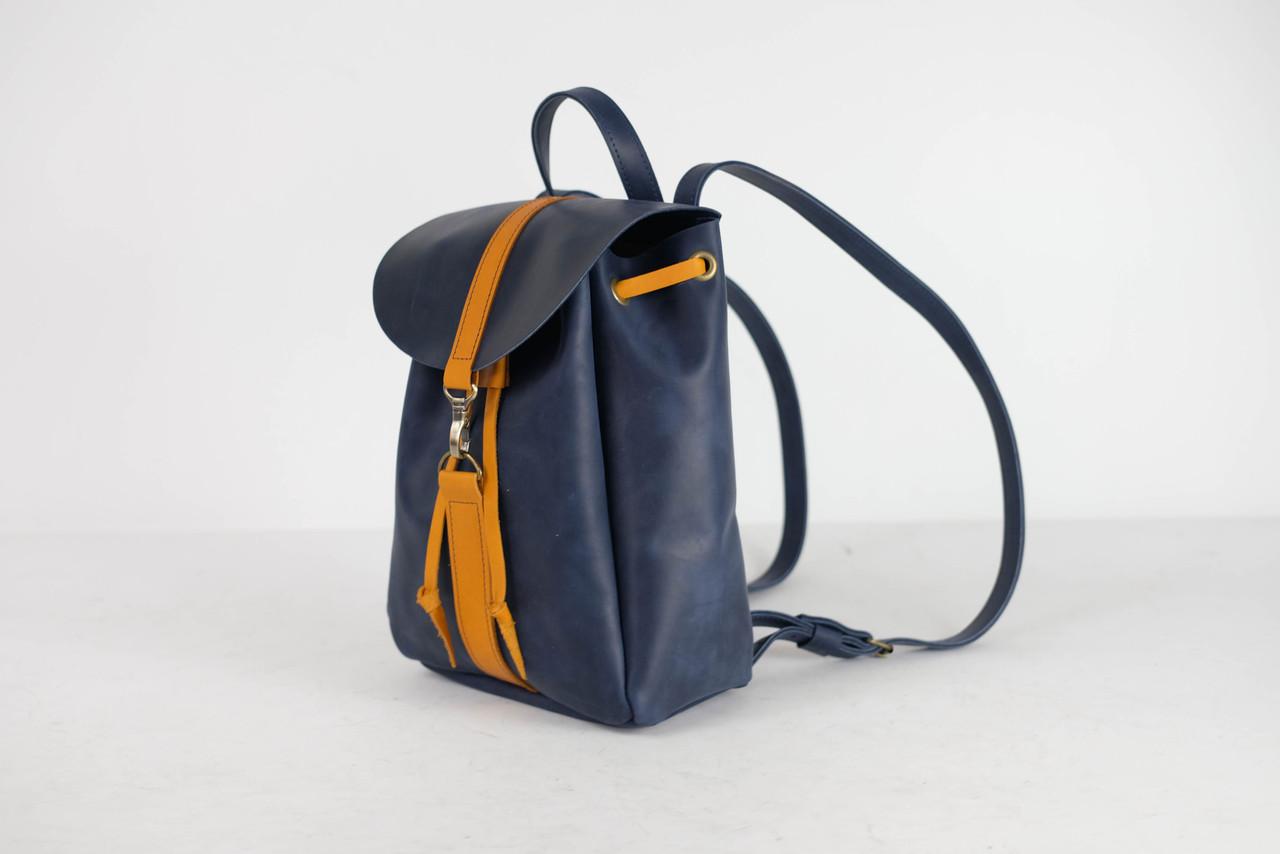 Рюкзак на затяжках с карабином, размер мини Винтажная кожа цвет Синий + Янтарь