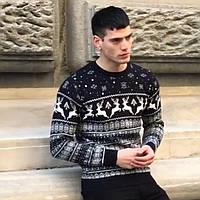Тёплый  мужской новогодний свитер с оленями