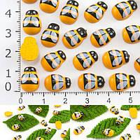 (5 грамм ≈ 30шт) Пчёлки БЕЗ липучки 12х9мм, деревянный мини декор Цена за 5 грамм