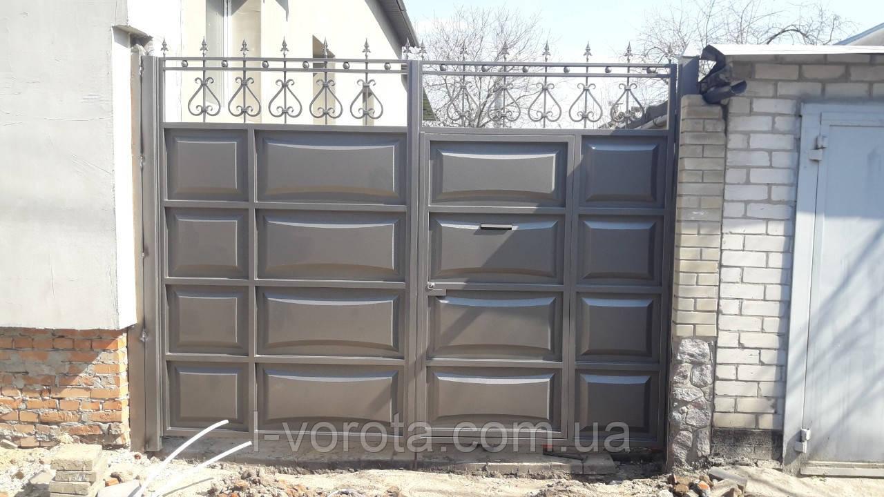 Распашные ворота со встроенной калиткой ш3000, в2500 (дизайн шоколадка, филенка линза)