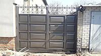 Распашные ворота со встроенной калиткой 3000×2500 (дизайн шоколадка, филенка линза)