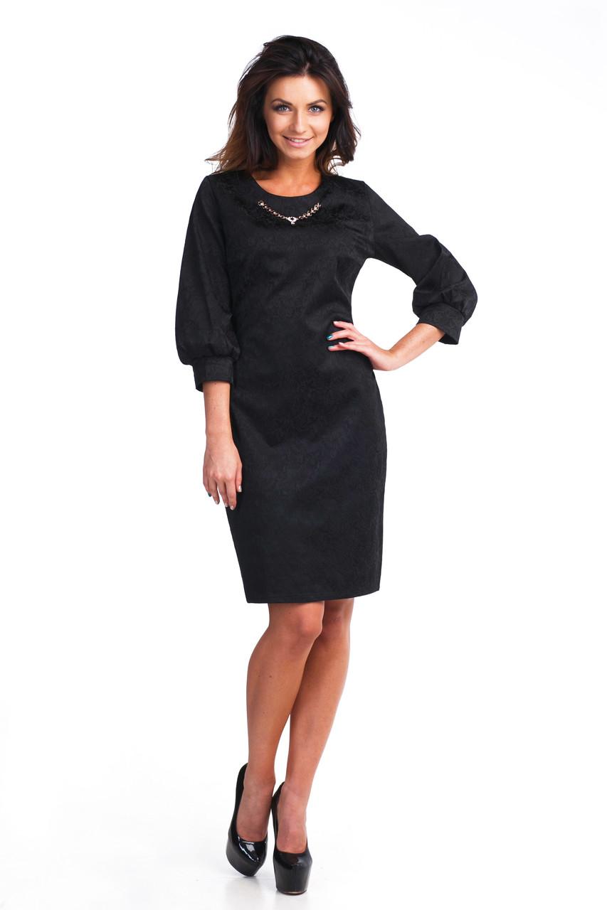 Коктейльне чорне плаття з прикрасою