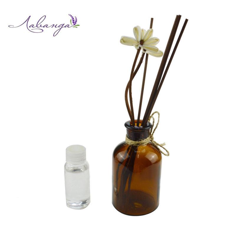 Аромадиффузор с аромамаслом, лаванда