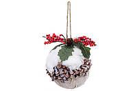 Новогоднее украшение Шар из натуральной шишки с ягодами заснеженный