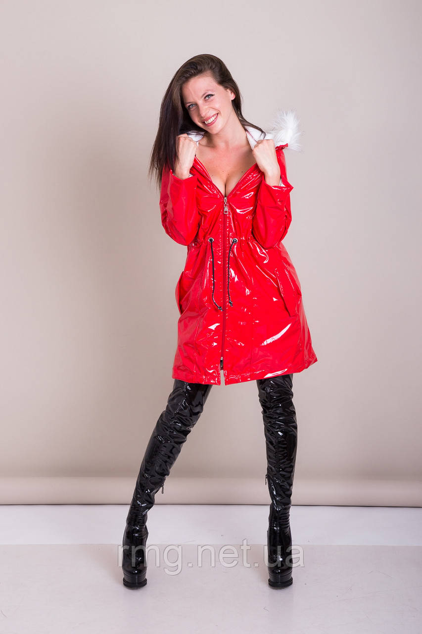 Пальто женское лаковое с меховым воротником Турция
