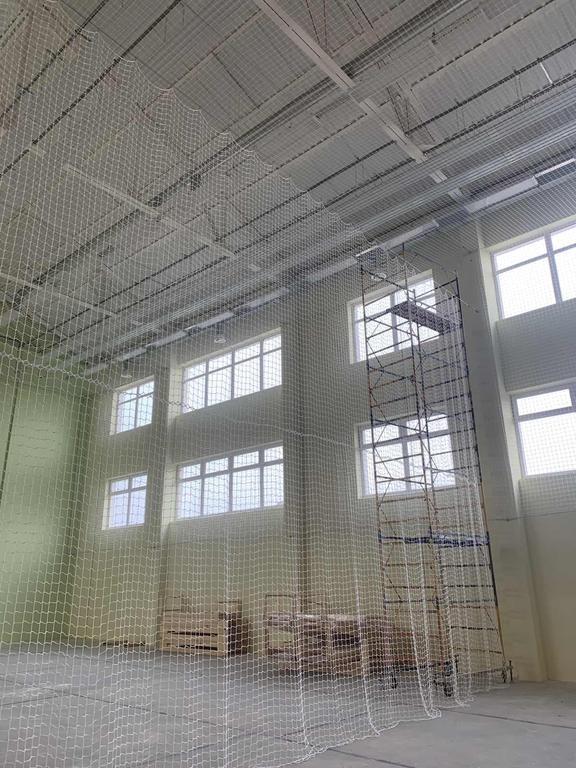 Защитно-заградительная сетка - разделительная в спортзал г. Киев